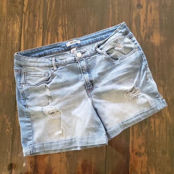 refuge Pants - Refuge distressed shorts